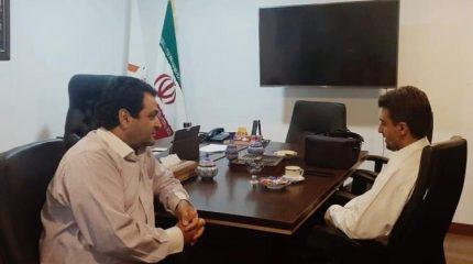 بازدید عضو هیئت مدیره انجمن شرکتهای دانش بنیان استان اصفهان از شرکت دانش بنیان آریا پلیمر2