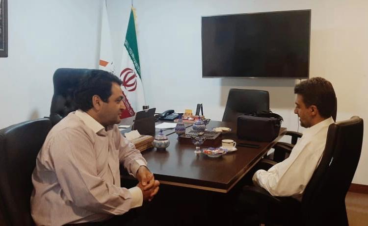 بازدید عضو هیئت مدیره انجمن شرکت های دانش بنیان استان اصفهان از شرکت دانش بنیان آریا پلیمر2