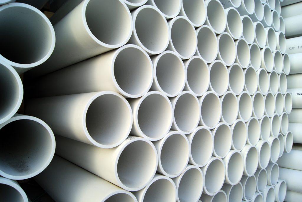 شکل 4 – کاربرد پلی وینیل کلراید در لوله های آبرسانی