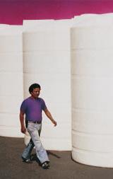 شکل4: مخازن عظیم ذخیره سازی، یکی از رایج ترین محصولات تولید شده با قالب گیری چرخشی در بازار